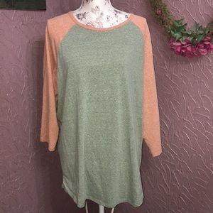 LuLaRoa raglan shirt
